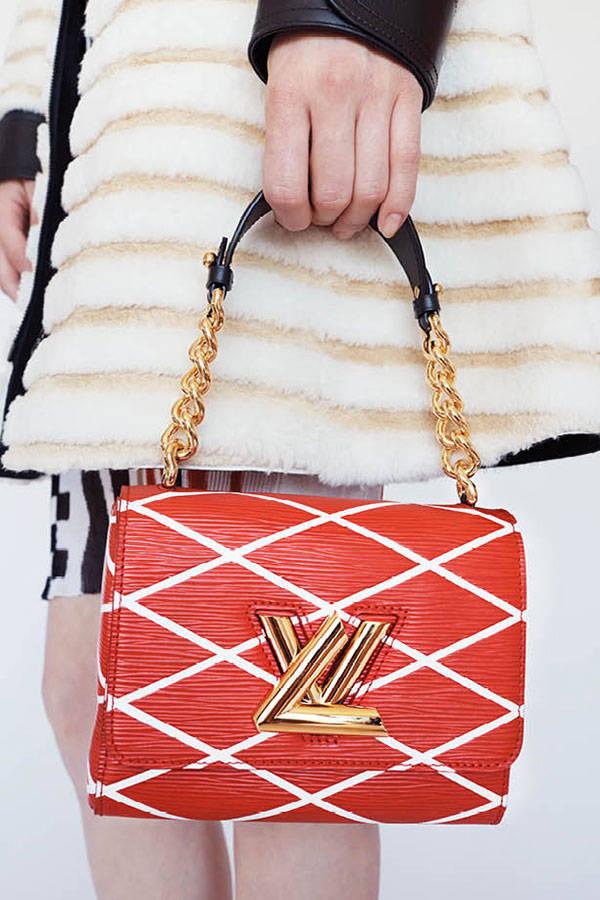 hbz-lv-resort-accessories-04-sm