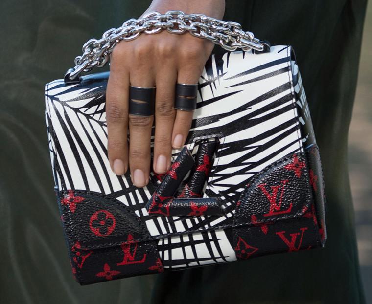 Louis-Vuitton-Cruise-2016-Bags-24